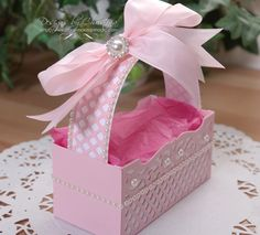 Using Flourish Frame Pocket set, you can make a pretty gift box suitable for any occasion. Let Designer Christina Griffins show you how!