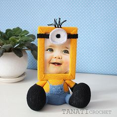 Crochet Pattern of Photo Frame MINION Tutorial PDF file