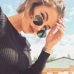 ⛺️La reine du camping ⛺️ Cat Eye Sunglasses, Round Sunglasses, Streetwear, Ruby Rose, Instagram Girls, Adidas, Nike, Martini, Photo And Video