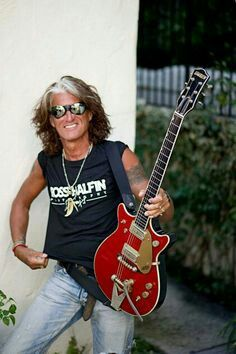 Joe Perry Robert Plant Led Zeppelin, Best Guitar Players, Joe Perry, Rock And Roll Bands, Steven Tyler, Aerosmith, Gretsch, Kinds Of Music, Bad Boys