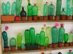 Plastic Bottle Art, Pet Bottle, Arts And Crafts, Paper Crafts, Recycled Art, Art Plastique, Mosaic Art, Diy Flowers, Glass Art