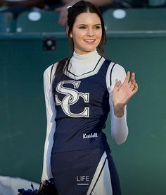 Kendall Jenner rallies her high school football team at championship game in short cheerleading uniform Kendall Jenner Young, Kendall Jenner Selfie, Kendall And Kylie Jenner, Kendall Jenner Cheerleader, Hipster Chic, Kardashian Jenner, Kardashian Family, Cheerleading Outfits, Hottest Models