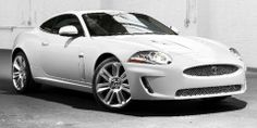 2010 Jaguar XKR tampilan depan