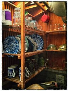 Wall of open shelving like this? Galley Kitchens, Dish Racks, Boho Kitchen, Homestead Living, Wall Racks, Kitchen Dishes, Cabin Homes, Go Camping, Open Shelving