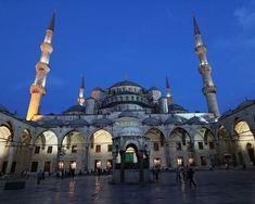 La mezquita Azul. #turquiaturismo #turquia #estambul #turismo #viajes #viaje #viajero #viajeros #instaviajes #instaturismo #instatravel #travel #fotodeldia #foto #picoftheday #photooftheday #mezquitaazul