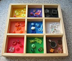 This box can be used for the preschooler to teach sorting items by color. There are 9 cells in the box and there are 45 small items that need to find a suitable place (5 items of each color). This toy allows to improve the fine motor skills and promotes the memorization of colors.