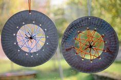 #craft, children,  Paper Plate Spiderwebs, #knutselen, kinderen, basisschool, herfst, spin, insect, spinneweb van papieren bord en garen, Halloween