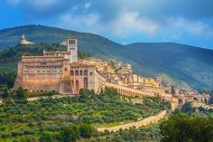 Find the best hill towns to visit in Umbria, Italy. Plan your trip to Umbria, Italy's green heart, with this guide to where to go and what to see. Top Places To Travel, Cool Places To Visit, Places To Go, Italy Vacation, Italy Travel, Italy Trip, Perugia Italy, Genoa Italy, Italy Italy