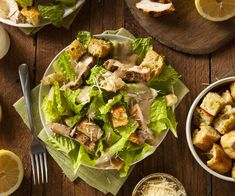5 Easy Tricks for the Ultimate Caesar Salad Dog Recipes, Healthy Chicken Recipes, Healthy Dinner Recipes, Salad Recipes, Healthy Snacks, Healthy Eating, Cetogenic Diet, Ways To Eat Healthy, Chicken Caesar Salad