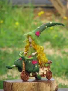 Nadel Filz Waldorf inspirierte Art Puppe Tulip Märchen auf eine Fahrrad-Wohnkultur