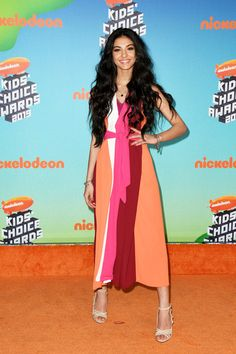 Elisa Maino attends Nickelodeon's 2019 Kids' Choice Awards at Galen Center on March 2019 in Los Angeles, California. Kids Choice Award, Choice Awards, Milan Men's Fashion Week, Hair Color Purple, Tik Tok, 3, The Dreamers, Red Carpet, Maine