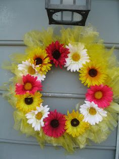 No  or Low Cost Outdoor Spring Wreath  using recycled newspaper bags!