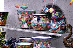 "Pottery in Matlacha, Florida     http://advertiseyourbizonline.com Fill Your Autoresponder everytime with the 'Full Meal Deal"" Social Media Marketing Package."