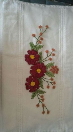 Wonderful Ribbon Embroidery Flowers by Hand Ideas. Enchanting Ribbon Embroidery Flowers by Hand Ideas. Cushion Embroidery, Hand Embroidery Dress, Embroidery Patterns Free, Embroidery Fashion, Embroidery Stitches, Embroidery Designs, Embroidery Kits, Ribbon Embroidery Tutorial, Silk Ribbon Embroidery