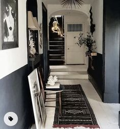 Painted Floorboards, Half Painted Walls, White Floorboards, Black Painted Stairs, Dark Walls, White Walls, Demis Murs, Black And White Hallway, Hallway Paint