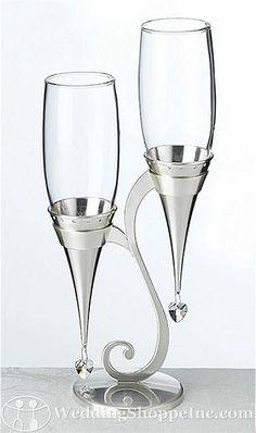 toasting glasses for da bride and da groom! awesomeness!