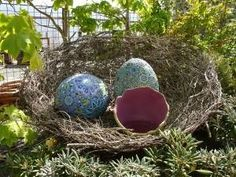 Giant Egg Nest~ Using a paper mache technique, you can craft a giant nest with eggs in it.