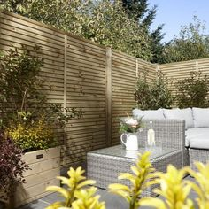 Contemporary Fence Panels, Modern Wood Fence, Wood Fence Design, Modern Fence Design, Privacy Fence Designs, Contemporary Garden Design, Wooden Fence, Horizontal Slat Fence, Slatted Fence Panels