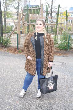 Curvy Street Style, Vest, Jackets, Shopping, Fashion, Tatoo, Fashion Plus Sizes, Down Jackets, Moda