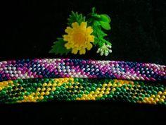 Kumimari 2 Different Styles in the Kumihimo Estilos Diferentes en el… Friendship Bracelets Tutorial, Bracelet Tutorial, Kumihimo Bracelet, Braid Patterns, Bijoux Diy, Crochet Videos, Diy Accessories, Beading Tutorials, Bracelet Patterns