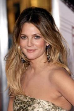 In a previous post, Lauren discussed the BALAYAGE technique. BALAYAGE literally m. 2015 Hairstyles, Celebrity Hairstyles, Ecaille Hair Color, Drew Barrymore Hair, What Is Balayage, Medium Hair Styles, Natural Hair Styles, Hair Evolution, Hair Dos