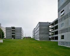 Herzog & DeMeuron - Antipodes I student housing, Dijon 1992. Photo (C) Margherita Spiluttini.
