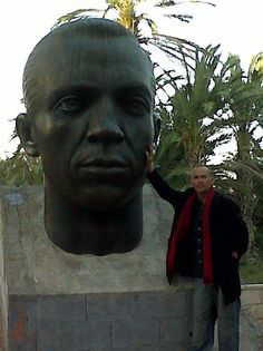 Busto Miguel Hernandez de bronce fundido http://www.escultura-publica.com/escultura-publica/galeria.html