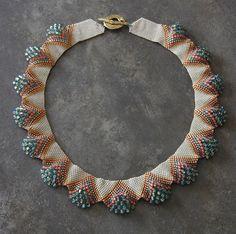 Bijoux de billes de verre tissé Beaded jewelry