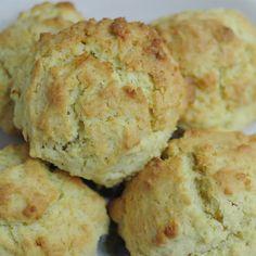Saçaklı kurabiye'yi dilerseniz sütün yanında çocuklarınıza, dilerseniz kalabalık misafir gruplarınıza ikram edebilirsiniz. Nefis saçaklı kurabiye tarifi.