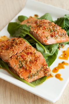 Steamed Teriyaki Salmon with Spinach Epicure Recipes, Fish Recipes, Seafood Recipes, Cooking Recipes, Salmon Recipes, Recipies, Clean Eating Recipes, Easy Healthy Recipes, Healthy Eating