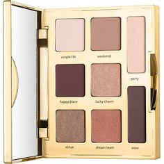 Create effortless, everyday looks with this sleek shadow palette featuring 8 stunning shades for any adventure. With 4 mattes and 4 lusters in rich, warm tones, the creaseless, creamy powder eyeshadows include a mix of base, crease, liner and highlight shades for a complete shadow wardrobe in one travel friendly palette. Powered by Tarte's iconic Amazonian clay formula, each pigment-packed shade helps balance skin on the lids for supreme bendability and rich, long-lasting payoff .