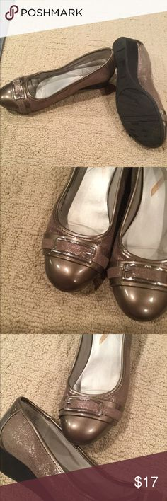 Fun and comfortable wedges Champagne colored shimmery wedges with lots of life! So comfortable with minor wear Ann Klein Shoes Wedges