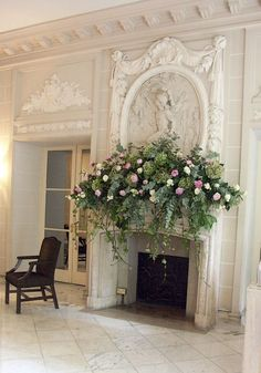 Not this full but Drapey - Beautiful fireplace with floral arrangement on the… Fireplace Mantle, Fireplace Design, Shabby Chic Fireplace, Brick Fireplaces, Mantel Styling, Jardin Decor, Vibeke Design, Bouquet, French Decor
