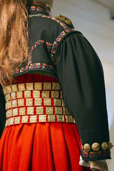 Detail from old Norwegian national costumes. The collection of Rikard Berge and from the exebition at Seljord of old costumes from Telemark county, Norway Traditional Dresses, Traditional Art, Folk Costume, Costumes, Folklore, Norwegian Vikings, Norway, Retro Vintage, Textiles