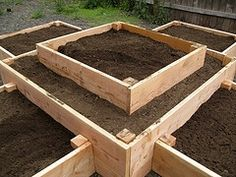 raised bed gardening plans - goof way to keep the dog out