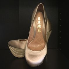 💥REDUCED L.A.M.B. Gold High Heels Make an offer L.A.M.B. Gold High Heels only worn a handful of times in great shape. Reasonable  negotiations accepted L.A.M.B. Shoes Heels