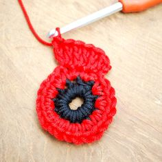 Get those hooks out. here's a free Remembrance Poppy Crochet Pattern. Crochet Butterfly Free Pattern, Crochet Coaster Pattern, Crochet Flower Tutorial, Crochet Flower Patterns, Crochet Blanket Patterns, Knitting Patterns, Flower Crochet, Leaf Patterns, Crochet Leaves