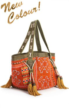 World Family Ibiza, Basket Bag Hippie Bags, Boho Bags, Handmade Handbags, Handmade Bags, Crochet Shoulder Bags, Ethnic Bag, Mode Boho, Vintage Purses, Womens Purses