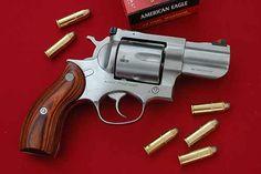 Ruger: The Bit In Its Teeth | American Handgunner | Redhawk, 2.75″ (Model 5028)