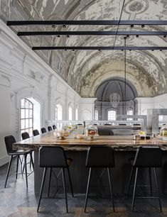 Exclusive restaurant in Antwerp//
