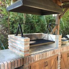 Outdoor Kitchens Luxury Outdoor Kitchen Design Ideas That Brings A Cleaner Looks Rustic Outdoor Kitchens, Outdoor Kitchen Cabinets, Backyard Kitchen, Summer Kitchen, Outdoor Kitchen Design, Kitchen Decor, Kitchen Ideas, Kitchen Layouts, Simple Outdoor Kitchen