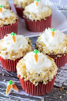 A recipe for Carrot Cake Cupcakes. These perfectly moist and fabulously flavorful cupcakes are packed with freshly grated carrot and sweet pineapple. Topped with fluffy, vanilla cream cheese frosting Easy Carrot Cake, Carrot Cake Cupcakes, Yummy Cupcakes, Cake Cookies, Cupcake Cakes, Pretty Cupcakes, Cupcake Recipes, Dessert Recipes, Cafe Recipes