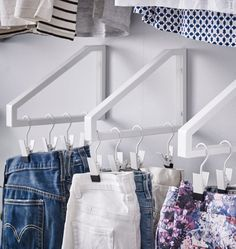Space Savers: IKEA Hacks for Small Closets Small space saving miracle for the children's wardrobe! More 14 Inspiring Ikea Desk Hacks that you love brilliant Ikea hacks for the Kallax Inspiring Ikea Desk Hacks that you love w Small Closets, Tiny Closet, Storage For Small Bedrooms, Coat Storage Small Space, Small Walking Closet, Small Walk In Closet Ideas, Clothes Storage Ideas For Small Spaces, Closet Ideas For Small Spaces Bedroom, Home Storage Ideas