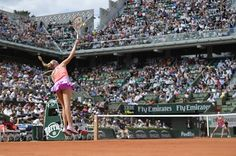 Donna Vekic launches into a serve - RG15 (MIGUEL MEDINA/AFP/Getty Images)