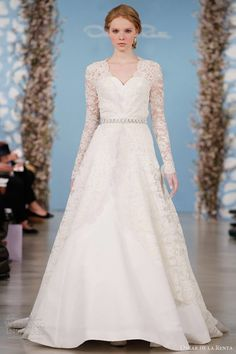 Oscar de la Renta bridal 2014 sweetheart wedding gown with Chantilly lace long sleeve overlay