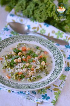 Zupa z ciecierzycy i ryżu z odrobiną jarmużu, Chickpea & rice soup with a little kale