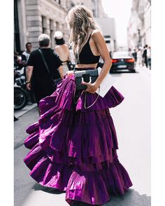 """1,820 Likes, 18 Comments - FashioninPills (@fashioninpills) on Instagram: """"#PFW #HAUTECOUTURE #FW17 credits to @collagevintage2 for @voguespain #STREETSTYLE"""""""