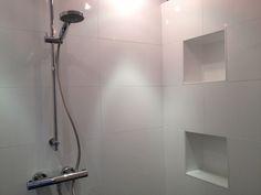 Nissen Nissen kennen veel toepassingen. In douche ruimtes, boven een bad of wastafel, enz. Heerlijk handig voor je shampoo. Met verlichting erin blijft het frisse opgeruimde effect benadrukt. Maar zonder verlichting kan natuurlijk ook.