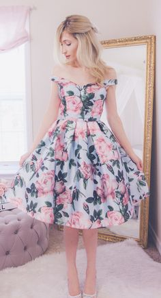 Looking for Some girly outfit ? Sometimes you want to be girly without be overly girly. Have a look at this gallery and find your personal style to match your hairstyles. Girly outfit for teenage g… Girly Girl Outfits, Pretty Outfits, Pretty Dresses, Beautiful Dresses, Mode Outfits, Dress Outfits, Fashion Dresses, Fashion Clothes, Dress Shoes