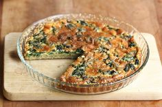 Spinach Quiche with Buckwheat. Spinach quiche with buckwheat crust - a quick and easy to make healthier alternative to traditional spinach quiche. Egg Recipes, Brunch Recipes, Cooking Recipes, Healthy Options, Healthy Recipes, Buckwheat Recipes, Spinach Quiche, I Chef, Mediterranean Recipes